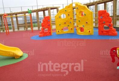 Каучуковое покрытие для детской игровой площадки