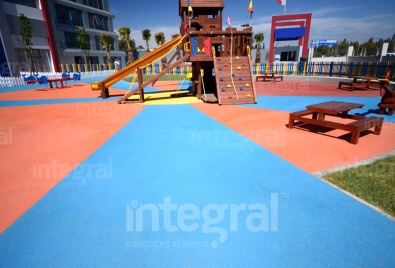 Напольные покрытия для детской игровой площадки