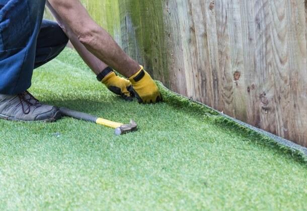 Как изготовляется искусственный газон?